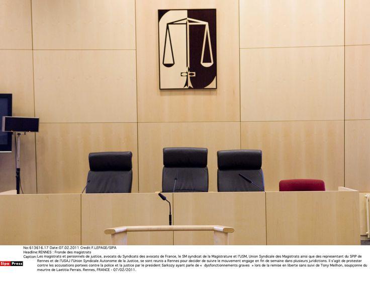 """Le Syndicat de la Magistrature a riposté, ce lundi 27 février, face aux accusations des camps Le Pen et Fillon, embourbés dans les affaires : """"La séparation des pouvoirs n'est pas l'impunité organisée au profit des élus et de ceux qui aspirent à l'être"""", a fait valoir le syndicat."""