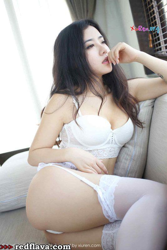 Ma Lu Na - Attractive Shenzhen Babe