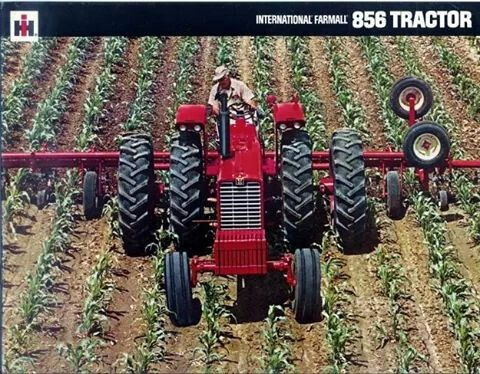 #Farming: IH 856 Ad... and the art of careful driving.