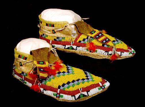 Moccasin with Twisted Design, Cheyenne Tribe, 1958  courtesy Wyoming State Museum: Bible Study, American Beadwork, Indian Moccasins, American Indian, American Art, Gospel Messages, American Moccasins, Beads Moccasins, Native American