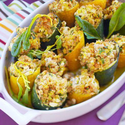 Zucchinistubbar med röda linser och matvete