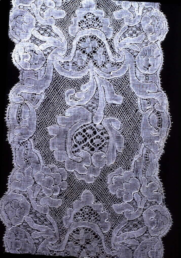 lace13d.jpg. Mechlin c. 1730
