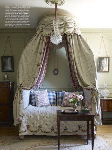 Elle Decor Magazine iPad Screenshot 20 found on AnyKey.Com