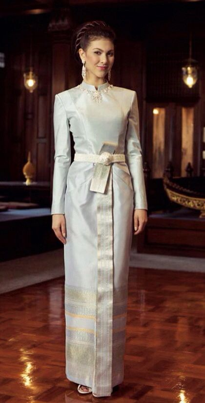 53174 best images about bayis frum day 2 day on pinterest for Thai style wedding dress