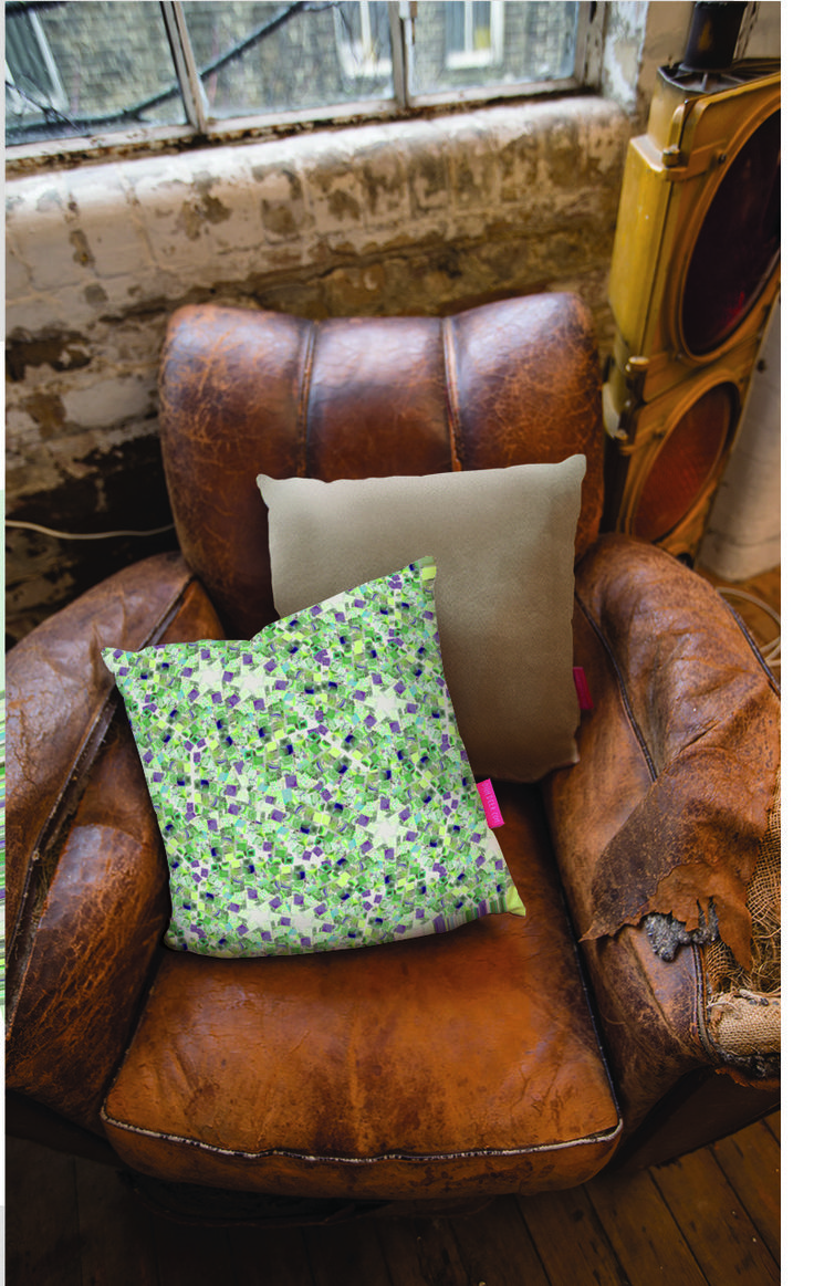 Go on.. treat yourself! #cushion #gift #christmas http://ohhdeer.com/competitions/pillow-fight-round-ii/7374/kaleidoscope