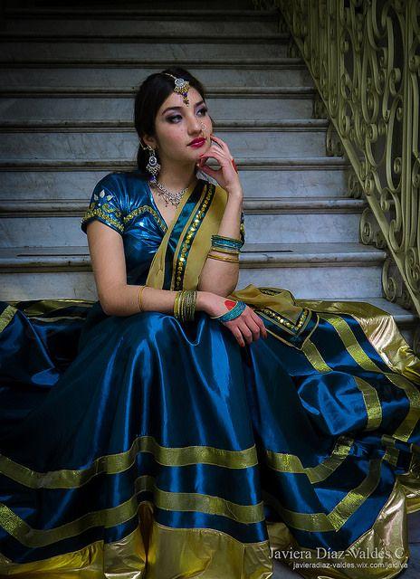 Costume Design: Javiera Díaz-Valdés Cerda. Dancer/Model: Paulina Beovides #portrait #bollywood #costumedesig #Choli #lehengacholi #bluecoli #bluelehenga #blouse #dupatta #velo  #Top #fashion #Fashiondesign #javieradiazdevaldes #indianfashion #indian #jewelery #joyeria #joyas #bordado #embroidery #cinta #gold #dorado #beautiful #girl #indian #gorgeous #beauty