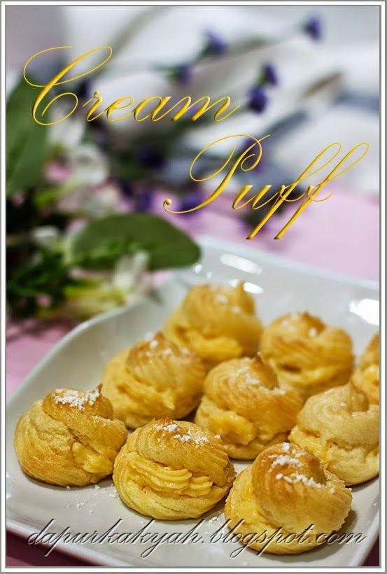 Kulit Krim Puff 300gm tepung gandum 250gm mentega 4 cawan air 4 biji telur 2 sudu teh vanila Masak air bersama mentega sehingga hancur kem...