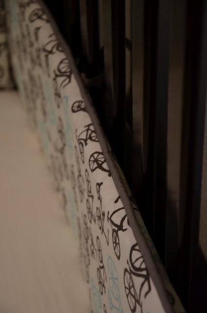 Follow link to Leanne's tutorial and measurements. Merricks Art: Crib Bumpers (Tutorial)
