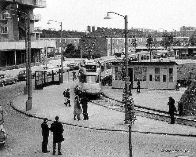 Amsterdam: Nieuwe lijn 1 naar Osdorp in 1971