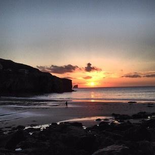 Beautiful Cornish sunset in Trevaunance cove St Agnes Cornwall #sunset #skyporn #cornwall #trevaunancecove