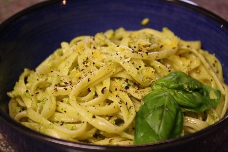15 Minute Creamy Avocado Pasta | Things to Eat | Pinterest