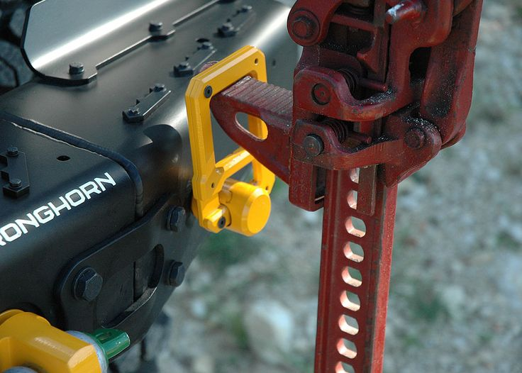 Hi-Lift Shackle Mount for the MFES-Tacoma and MFES-JK systems.