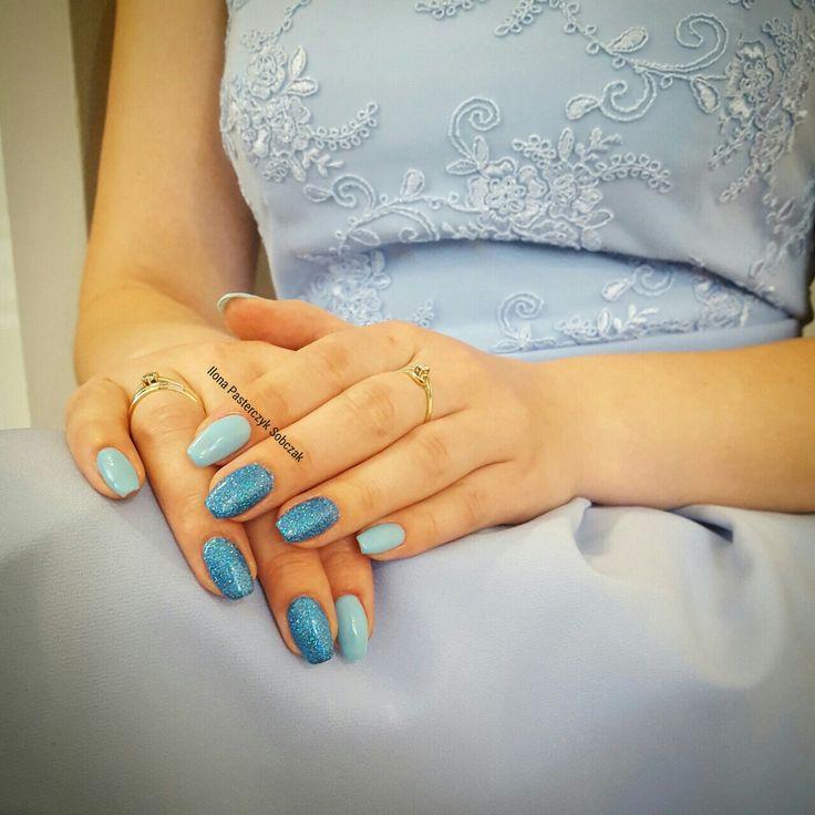 My new brocade nails 💙