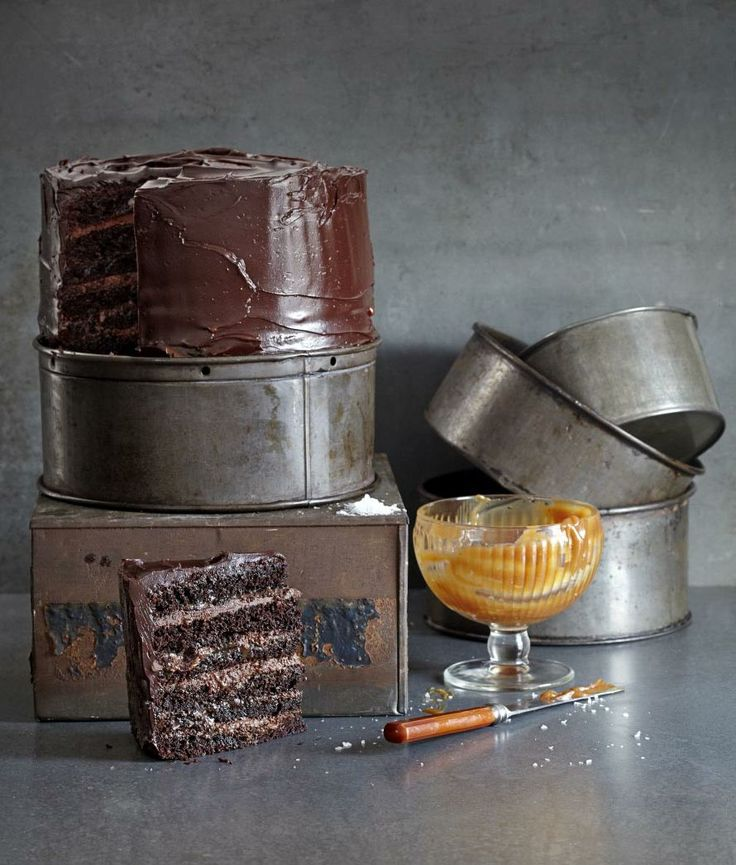 Chocolate and salted caramel mousse cake (With images ...