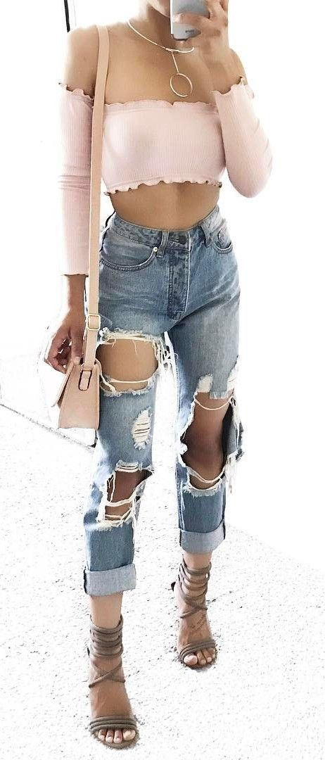 cute summer street style outfit crop top + rips + bag