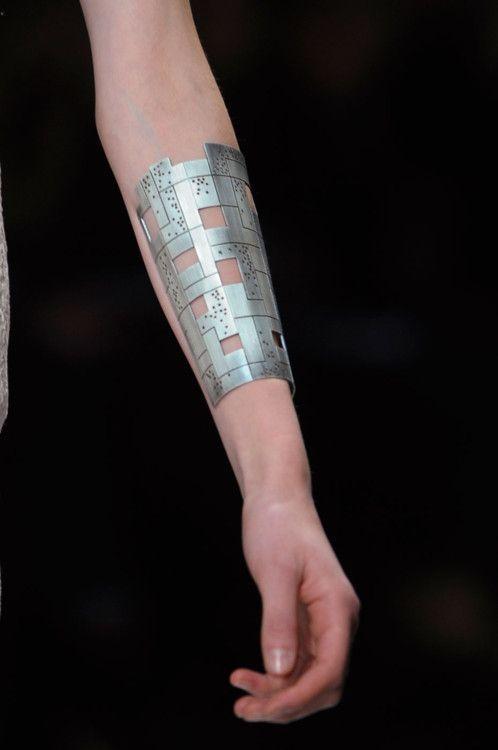 For Ronia's left arm?;; - futuristic cuff, cyberpunk style, future fashion, industrial girl, had, accessories, cyberpunk jewelry, industrial jewelry