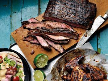 Gegrilde Steak Tex Mex stijl, een heerlijk gerecht waar je ongetwijfeld hoge ogen mee gooit! Past prima bij een Mexicaans buffet.