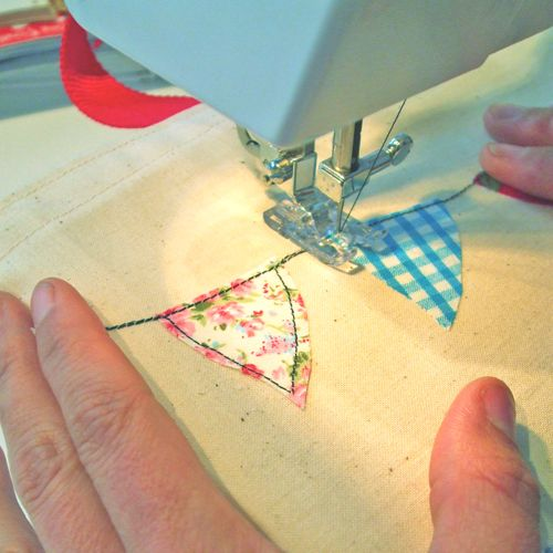 #Freehand #Machine #Embroidery & #Creative #Applique #Course  at The Gilliangladrag Fluff-a-torium