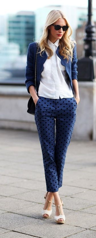 Poppy Delevingne in a preppy chic blue combination. The print makes it far from dull, very inspiring for office style #workwear #officefashion