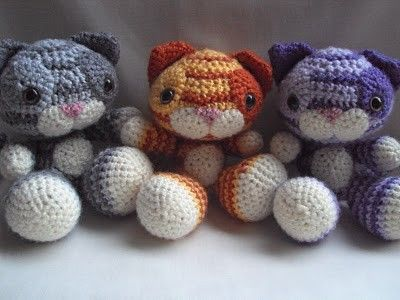 Crochet cute cats. Missy-can you make these?????? Let me know (Z loves cats!!!)