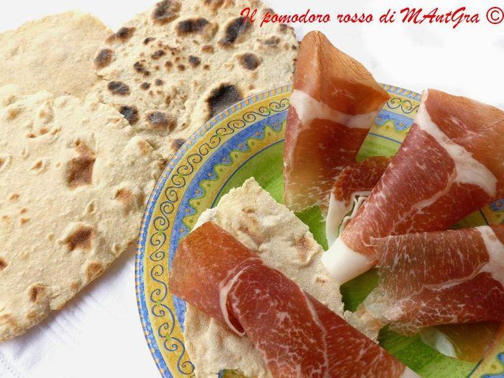 Il Pomodoro Rosso di MAntGra: Pane azzimo di kamut e avena