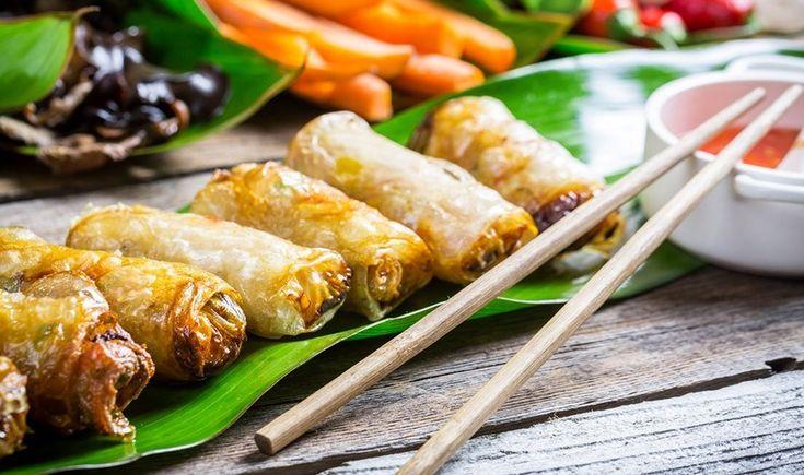 Ίσως το πιο εθιστικό, ορεκτικό πιάτο της ασιατικής κουζίνας. Μια βιετναμέζικη συνταγή για χειροποίητα, τραγανά spring rolls που θα ενθουσιάσουν.