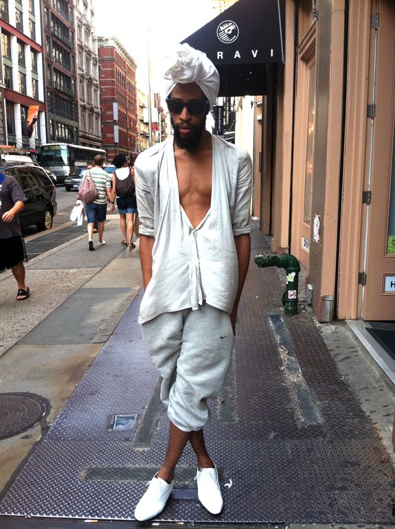 Street Fashion Stylist Tre Ford Rocking His Modern Day Mens Turban In Soho
