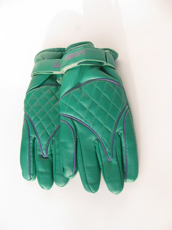 Vintage Puffy Ski Gloves by Gintro $20.00