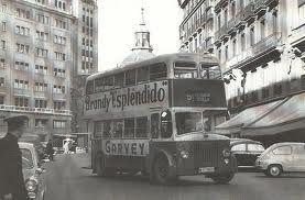 En Madrid, la EMT (Empresa Municipal de Transportes) tenía autobuses de dos pisos, del modelo londinense de entonces, (AEC Regent Mark III, Leyland Titan, GUY Arab III, y AEC Bristol), hasta los años 70, en que desaparecieron. En 1.936 fueron usados para transportar a los presos que fueron en las sacas a las afueras de Madrid.