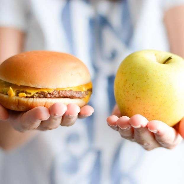 Dass die Fettleibigkeit der Eltern an Kinder vererbt werden kann, ist bekannt. Doch wusstest du, dass sich das Essverhalten auch negativ auf deren Entwicklung auswirkt?