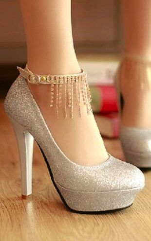I don't have the ability to wear these. I'd fall flat on my face. But I do love me some sparkle!