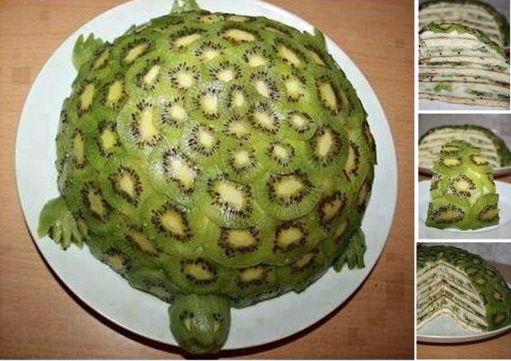 Prachtige en overheerlijke schildpad taart met (heel veel) kiwi!  Klik op de bron en je vind het hele recept. Kiwi turtle cake.