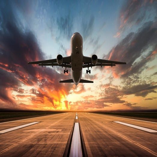 Traveling This Summer? 5 Ways To Save Money And Nab Last