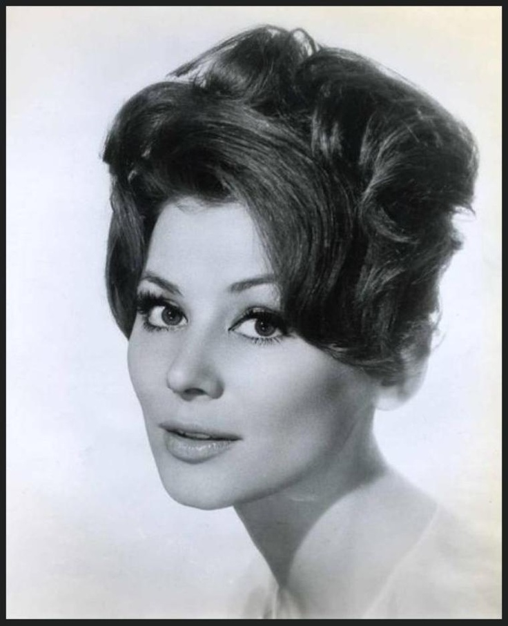 Irina DEMICK '50-60 (16 Octobre 1936 - 8 Octobre 2004,Irina Demick (16 October 1936, Pommeuse, Seine-et-Marne - 8 October 2004), sometimes credited as Irina Demich was a French actress with a brief career in American films.  Born Irina Dziemiach, apparently of Slavic (Russian, Ukrainian, or Polish) and Polish Jewish ancestry, in Pommeuse, Seine-et-Marne, she went to Paris and became a model. She made an appearance in a French film Julie la rousse (1959) and met producer Darryl F. Zanuck.