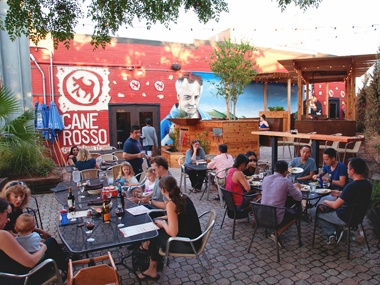 Cane Rosso - Deep Ellum Pizza place, pets welcome