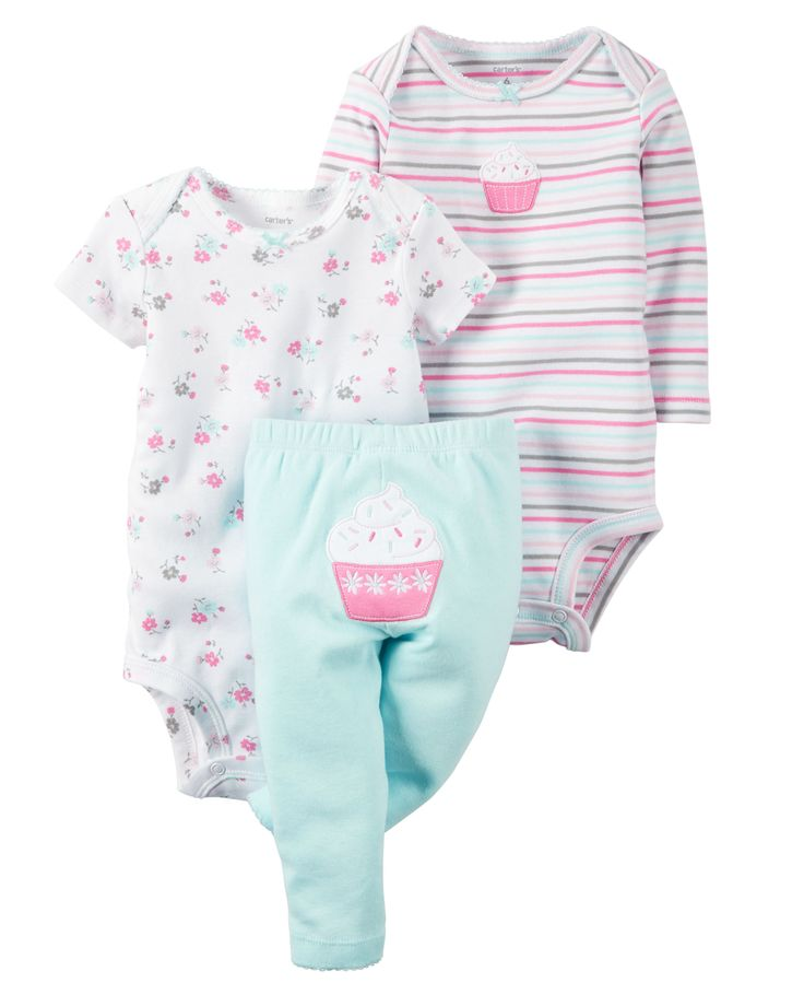 Featuring a cute little cupcake on the bottom and two coordinating bodysuits, this babysoft cotton set lets her mix and match with essential pants.