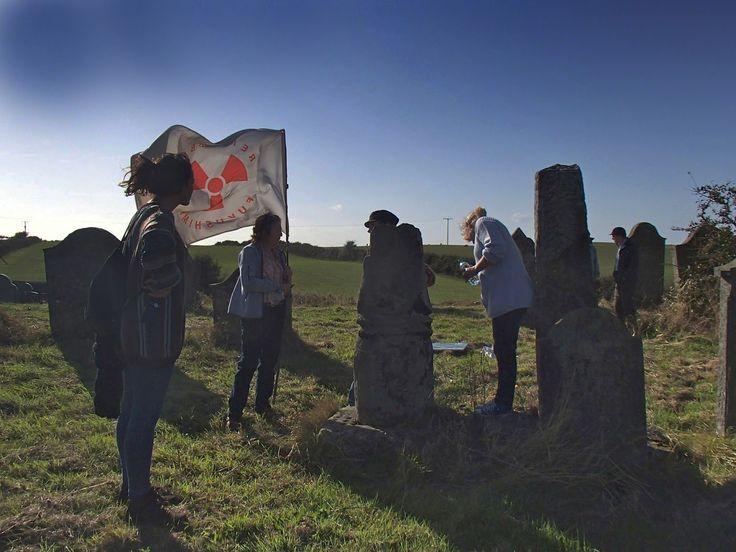 写真少年漂流記: 東芝を批判する英国の反原発運動家たち