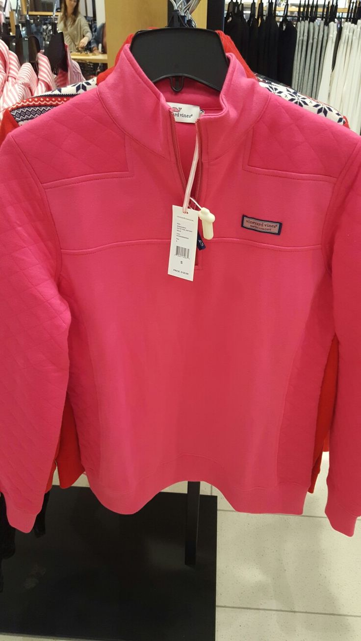 $125..vineyard vines pullover with quilted sleves ❤