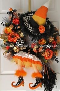 Amazing Wreaths. Petals and Plumes: Idea, Halloween Decoration, Halloween Witch, Candy Corn, Fall Halloween, Candycorn, Corn Witch, Halloween Wreaths, Witch Wreath