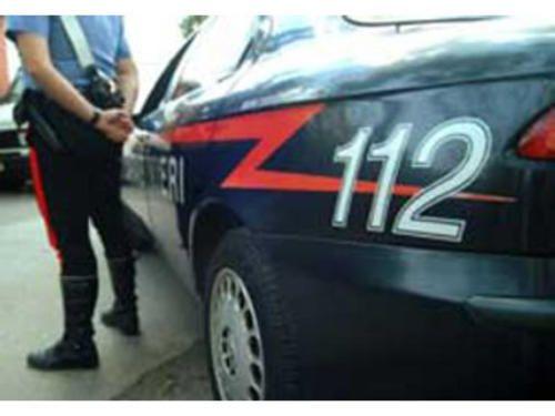 Campania: #Anziano #lancia #3200 euro dal balcone di casa a Salerno caos in strada (link: http://ift.tt/1VsX0dx )