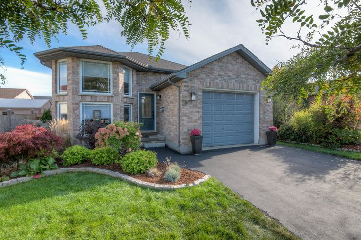 Stylish 3 Bedroom, 2 Bathroom, Raised Ranch with Wet Bar, Hot Tub, and Huge Backyard in the east end!   $259,900 - www.ForestCityTeam.com   #LdnOnt #RealEstate #Realtor