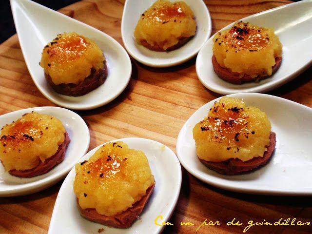¡Con un par de guindillas!: Cucharas de foie y manzana