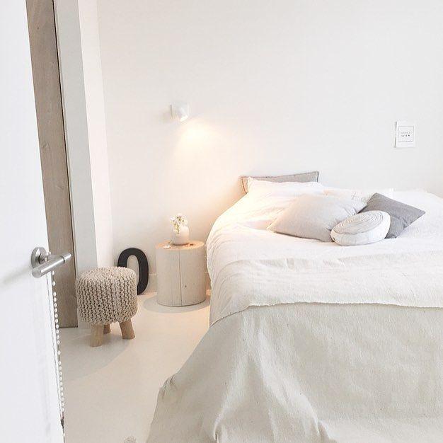 Relax avond! Fijn paasweekend alvast en een fijne avond! ⭐️ #ikgahelemaalnietsdoen #drukgeweest #zininpasen #bedroom #evening #styling #studioww