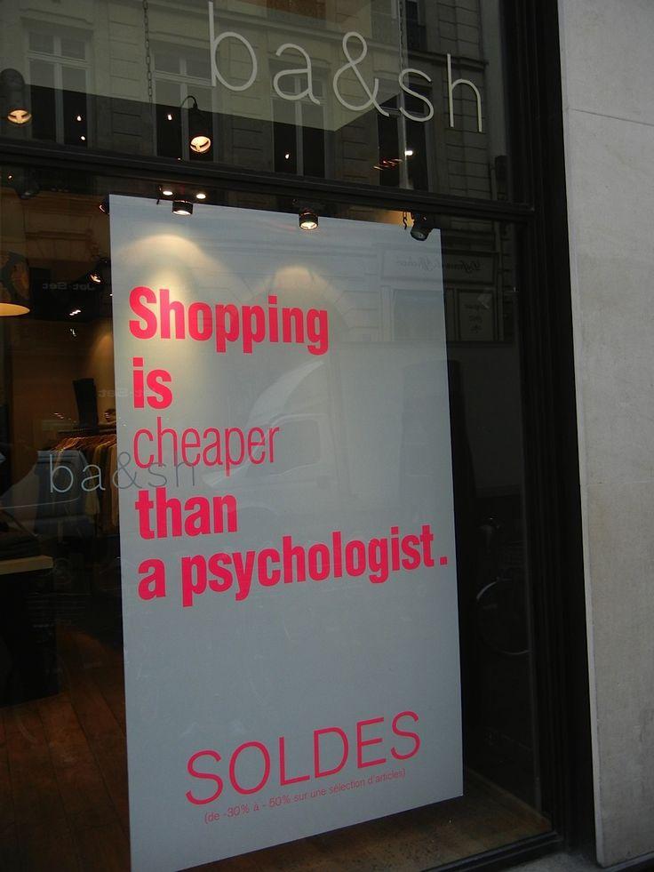 Paris 2012 Vejam o que a marcaba&sh colocou na vitrine de sua loja na rue Saint Honorè.