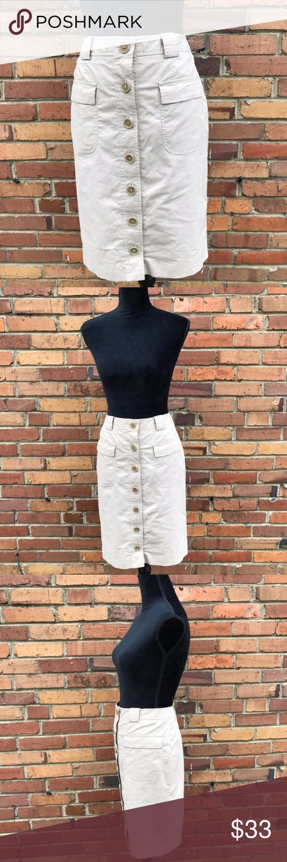 Brooks Brothers Khaki Skirt Size 8 Petite This mid rise, straight skirt looks great on so many body types. It has a vent at the back so it's easy to walk in. You can dress it up or down, add a cold shoulder top and some wedges for going out or sandals and a tank for hanging out. You'll get so much wear out of this skirt this summer and then you can throw some tights under it for fall and winter! Preowned from a smoke free home, in excellent used condition. Check out other listings in my…