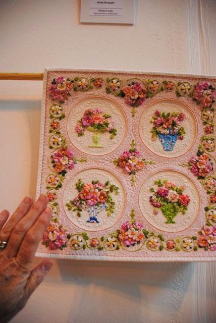 Bridal Bouquets, by Kumiko Frydl William Morris in Quilting: A day of quilts