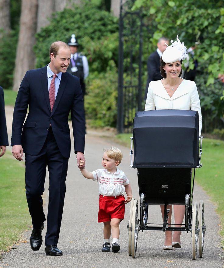 Együtt a boldog család – Cuki képek Sarolta hercegnő keresztelőjéről