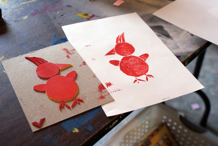 Make simple collagraphs with fun foam- a fun printmaking lesson in one class period! A lesson for any age.