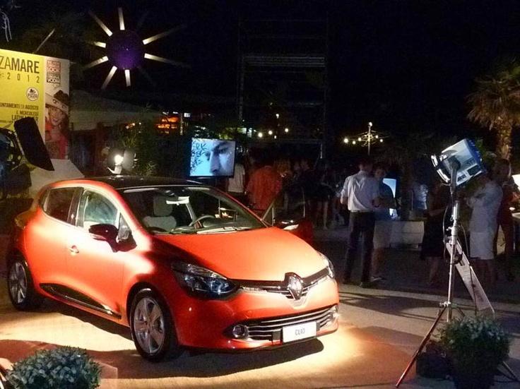 Un po' di luci sulla fiammante carrozzeria di Nuova Clio...Jesolo Terrazzamare