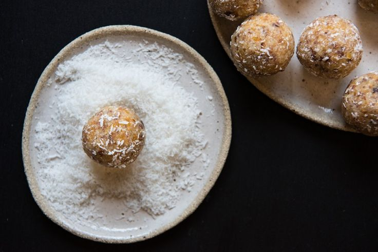 Quick and Easy Apricot Bliss Balls. Free from gluten, grains, dairy, egg, nuts and refined sugar. Enjoy.